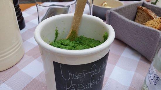Zwickl - Gastlichkeit am Viktualienmarkt: Green Mustard Strangely Delicious