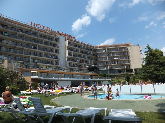 Hotel Samba: Widok od strony basenu