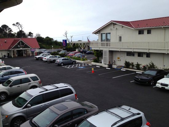 Motel 6 Fort Bragg : outside