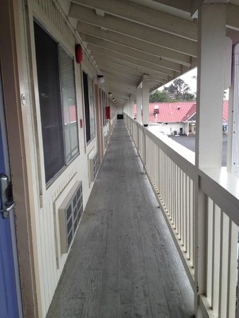 Motel 6 Fort Bragg : the corridor
