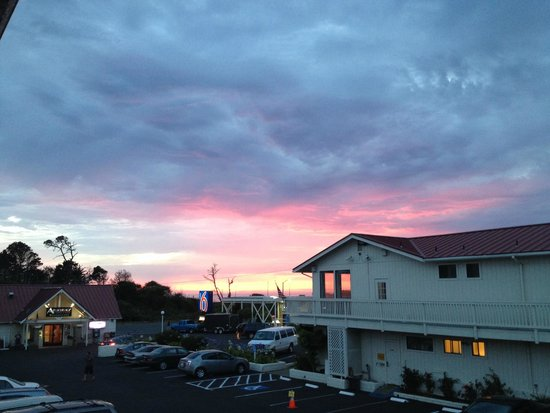 Motel 6 Fort Bragg : the view from the corridor