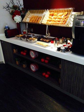 Best Western Paris Porte De Versailles : Breakfast area