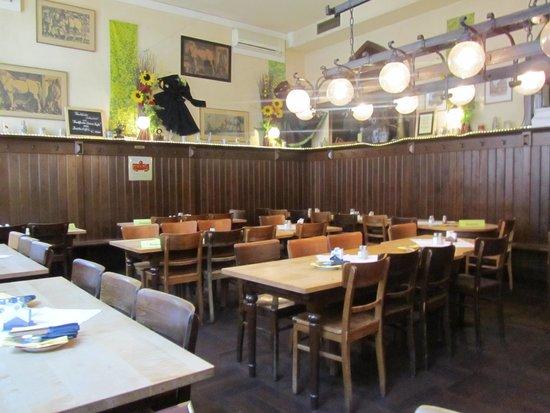 Steinernes Haus: De eetzaal.
