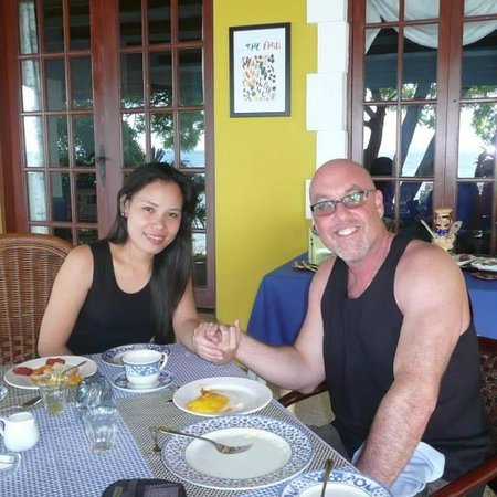 Las Flores: Me and my Fiance having Breakfast :)
