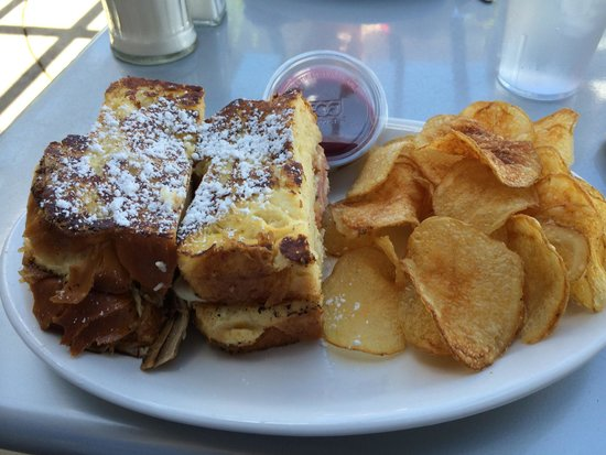 The Blue Door Cafe and Bakery: Montecristo