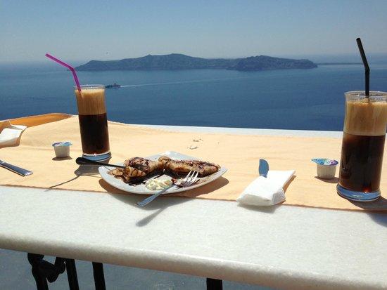 Anastasis Apartments: Anastasis Suite and afternoon snack