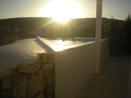 Paros Agnanti Resort: vue de la suite à côté de notre chambre