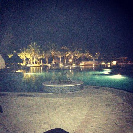 Catalonia Royal Tulum : Pool at night