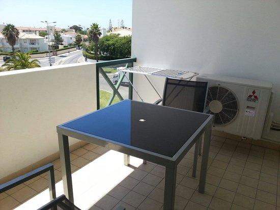 Hotel Apartamento Forte Do Vale: Balcony of room 308