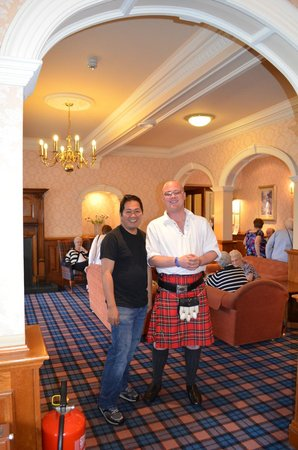 Inversnaid, UK: scots man , the host for  entertaning the guest in the night