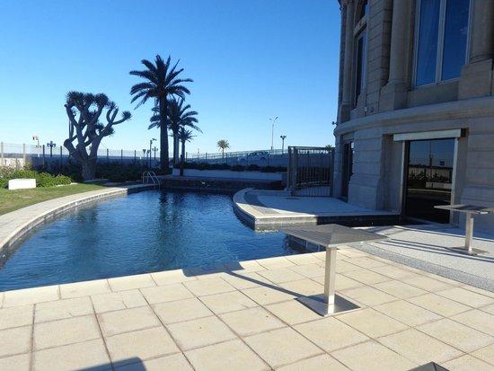 Sofitel Montevideo Casino Carrasco & Spa: Piscina externa