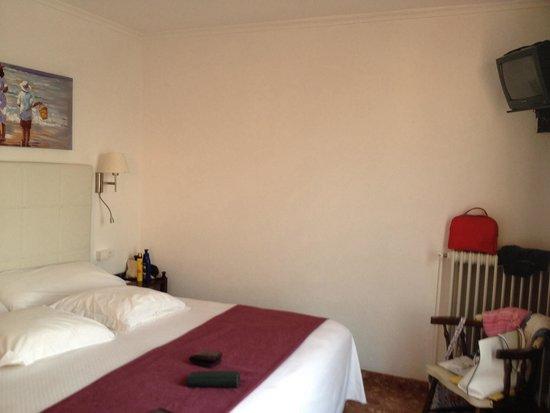 Hostal Residencia Menurka: Camera 301