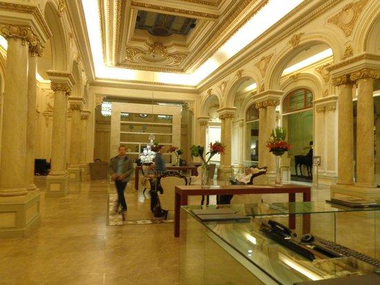 Sofitel Montevideo Casino Carrasco & Spa: Lob