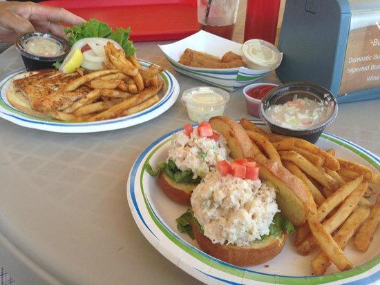 Key Largo Fisheries Backyard: Mahi sandwich, mahi fingers and lobster salad sliders