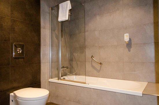 Sercotel Hotel Gran Bilbao : Baño