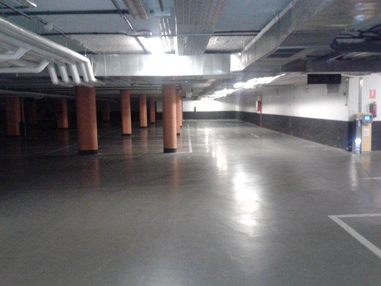 Rafaelhoteles Forum Alcala: parking