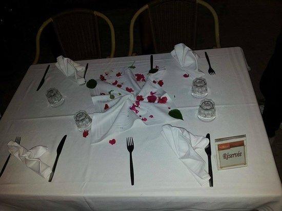Club Marmara Narjess : tables au restaurant