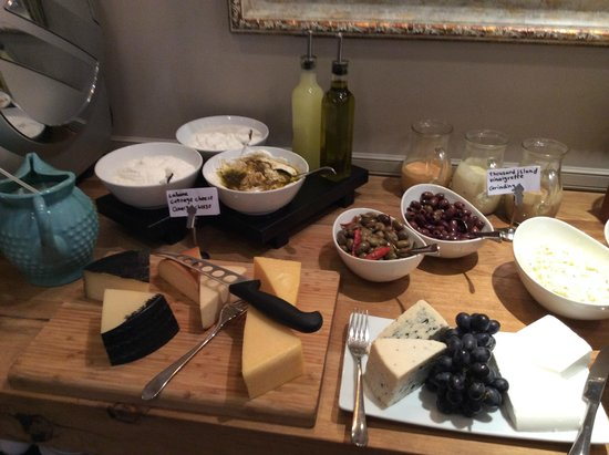 Sea Executive Suites: Cheese