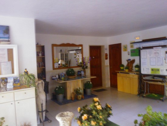 Apartamentos Atalaya Bosque: Grond floor