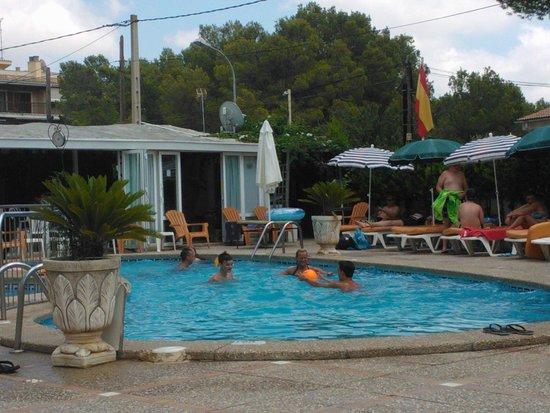 Apartamentos Atalaya Bosque: pool