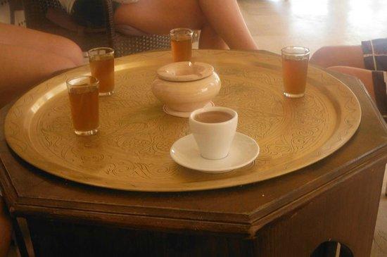 Club Marmara Narjess: thé a la menthe