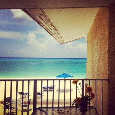 Cayman Reef Resort: The beautiful view from unit #29