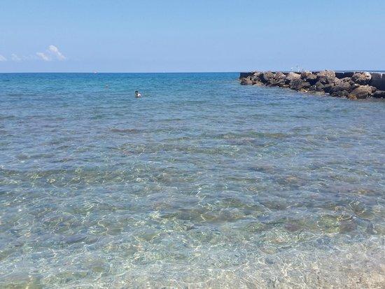 Zorbas Village and Aqua Park: il mare davanti al villaggio