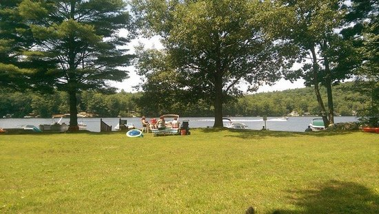 Swanzey Lake Camping Area: Lakeview towards dog-friendly area and docks