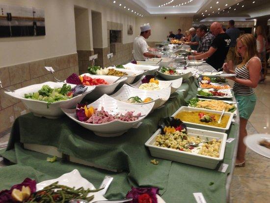 Soreda Hotel : Dinner time