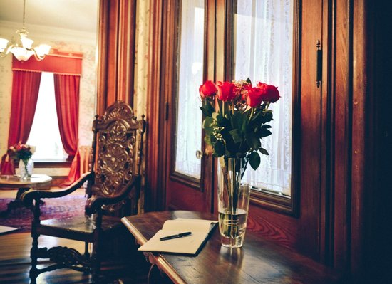 Queen Anne Inn: Entrance
