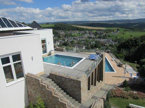 Familien Hotel Hochwald: Außenpools und Panoramablick