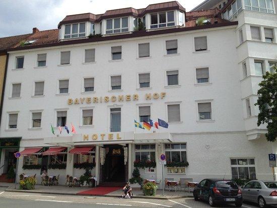 Hotel Bayerischer Hof: Hotel entrance