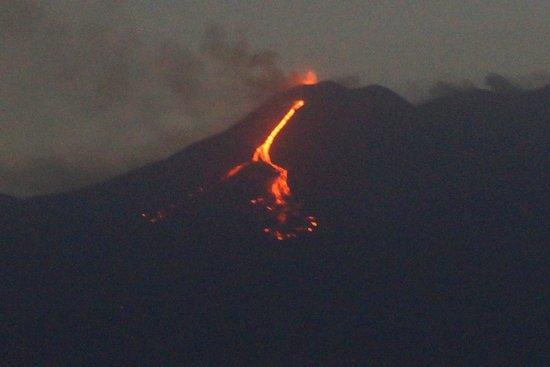 Monte Etna: Mount Etna eruption by night