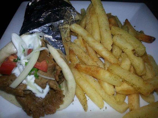 Hummus Mediterranean Cafe: Gyro Sandwich