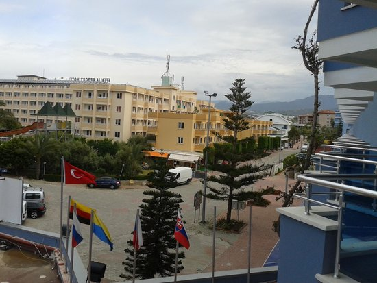 Caretta Beach Hotel: вид с балкона