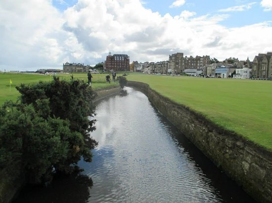 The Himalayas Putting Course: St Andrews