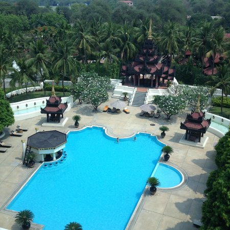 Mandalay Hill Resort : Views from the room