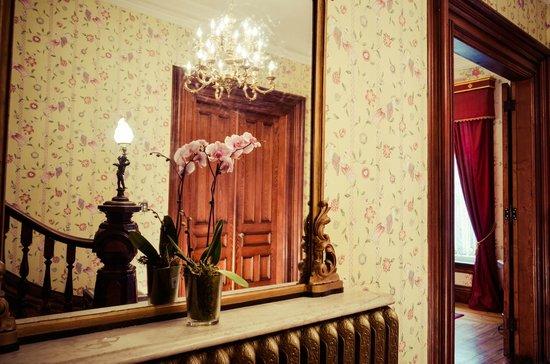 Queen Anne Inn: Lobby