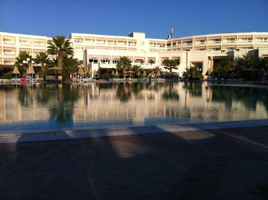 Vincci Marillia: Huge pool
