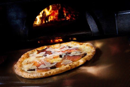 L' Ombra del Vesuvio: Pizza marta