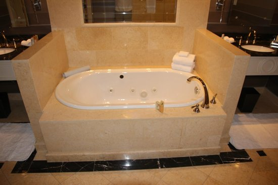 The Palazzo Resort Hotel Casino: Jetted Two-Person Tub
