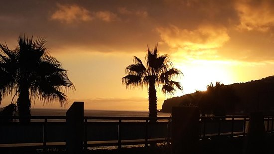 Restaurant & Grill Muralha: vue coucher de soleil