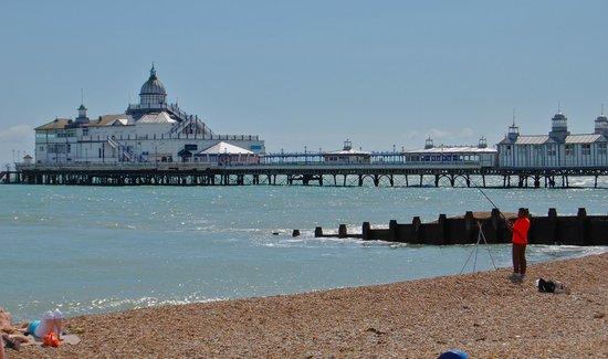 BEST WESTERN York House Hotel: Eastbourne Pier
