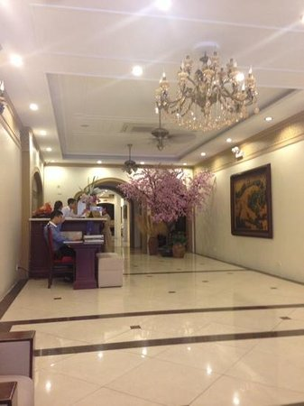 Spring Flower Hotel Hanoi : welcoming Reception