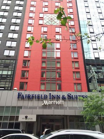 Fairfield Inn & Suites New York Manhattan/Times Square: Facade