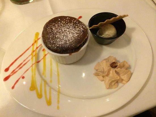 NH Geneva Airport : Chocolate soufflé
