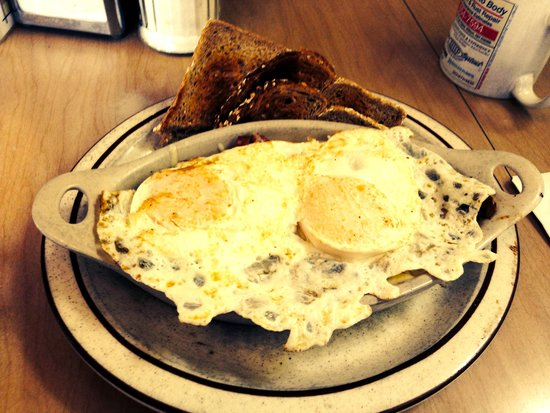 """Union Street Grill: """"Crock"""", eggs on potatoes, this one had sausage/peppers/mushroom/cheddar"""
