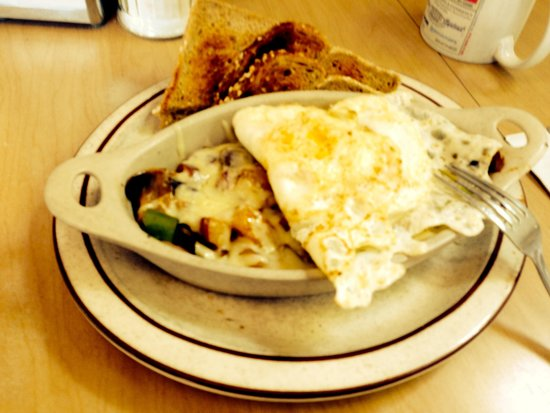 """Union Street Grill: """"Crock"""", under the eggs, on potatoes, this one had sausage/peppers/mushroom/cheddar"""