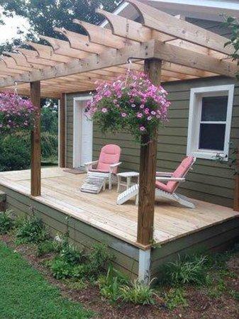 Arcady Vineyard Bed & Breakfast: private deck