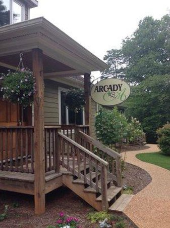 Arcady Vineyard Bed & Breakfast: The entrance